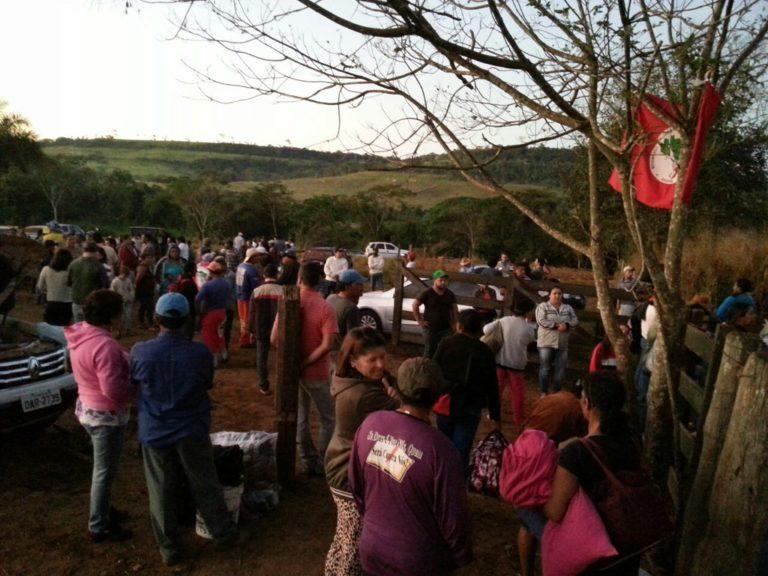 Cerca de 600 famílias ocupam mais um latifúndio no Mato Grosso