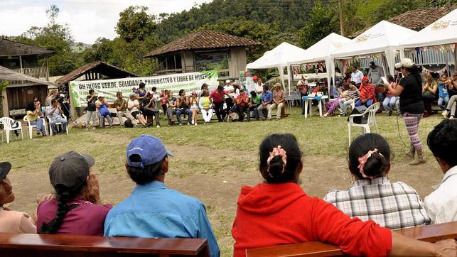 Os camponeses equatorianos que expulsaram duas multinacionais mineiras