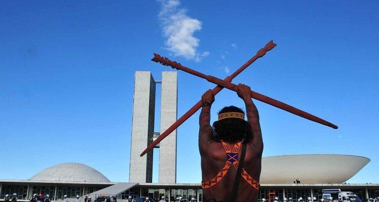 Congresso para; questão indígena não