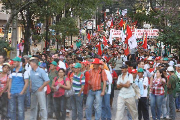 Jornada de Agroecologia realiza marcha com 4 mil pessoas em Irati