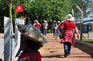 Sem Terra ocupam fazenda grilada pela Cutrale em São Paulo