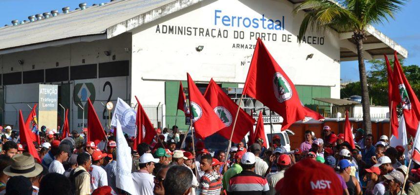Sem Terra exigem a destinação das terras do grupo João Lyra para Reforma Agrária