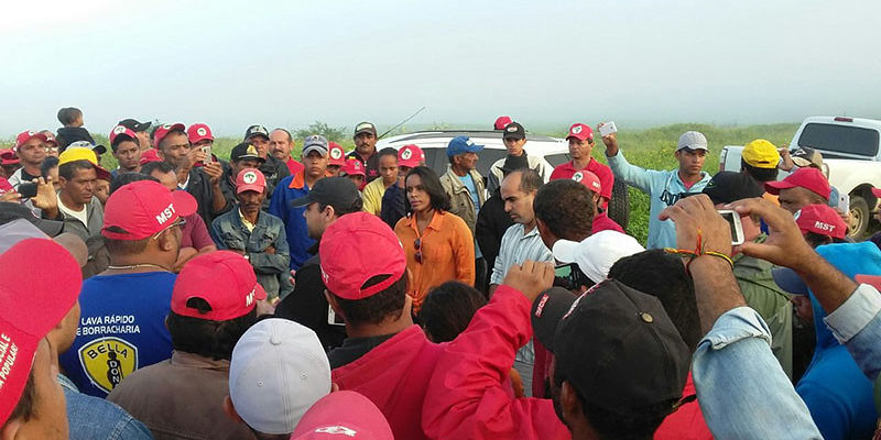 Famílias Sem Terra são surpreendidas com despejo em Sergipe