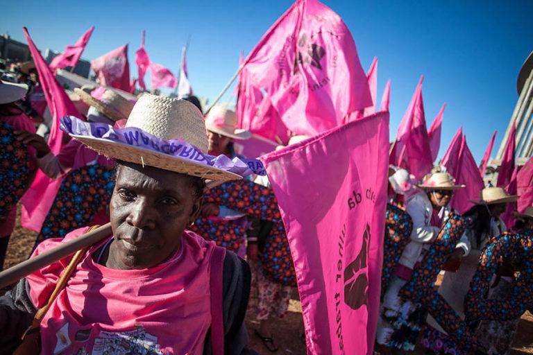 Camponesas marcham pela Esplanada por mais direitos e menos retrocesso