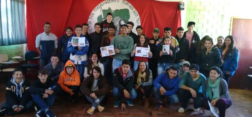 Jovens Sem Terra participam de oficina sobre Comunicação Popular no RS