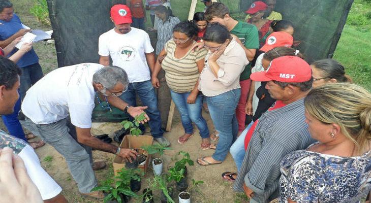 Camponeses debatem saúde na Paraíba