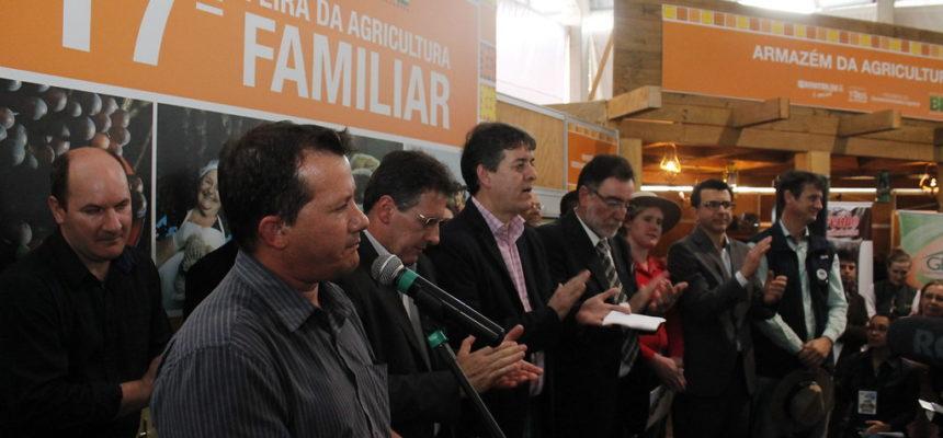 Na Expointer, Via Campesina cobra criação de um programa para produção de alimentos saudáveis