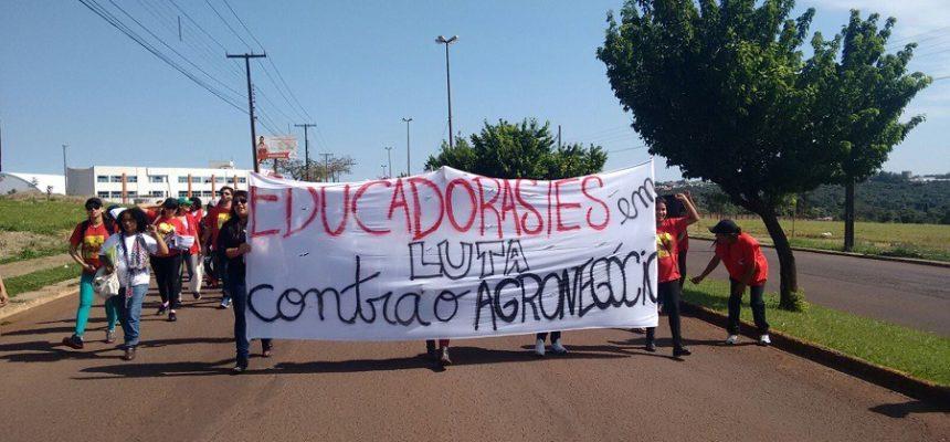Marcha repudia fechamento de escolas do campo e o avanço do agronegócio