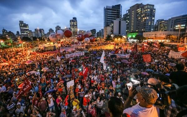 Frente Brasil Popular convoca primeira mobilização no 62° aniversário da Petrobras