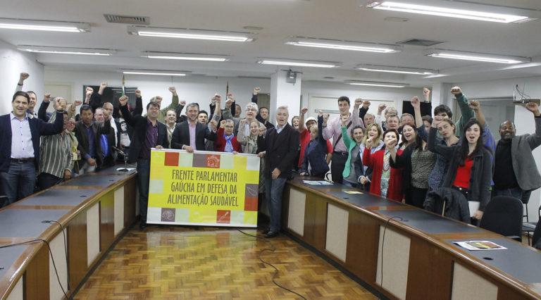MST integra Frente Parlamentar em Defesa da Alimentação Saudável no RS