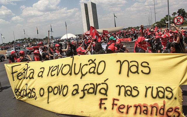 Em Brasília, educadores da Reforma Agrária marcham por uma educação pública e de qualidade
