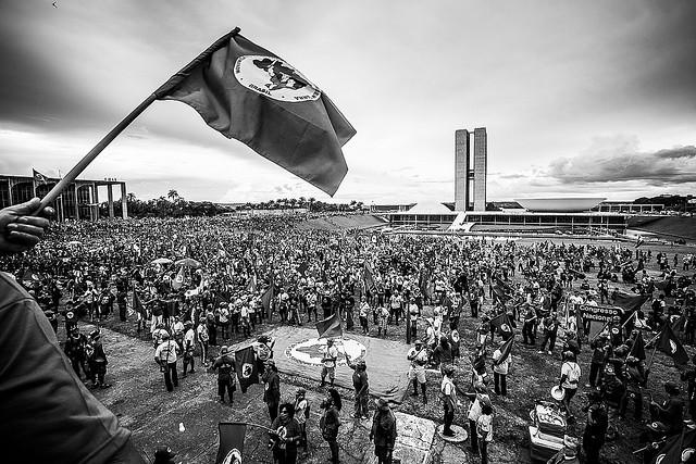 MST defende a saúde pública no Brasil e repudia privatização do setor