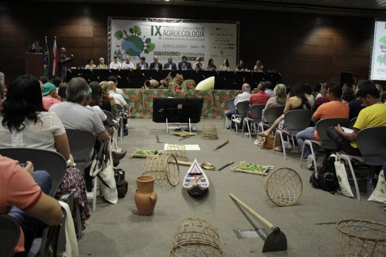 Camponeses reafirmam sua identidade durante congresso no Pará