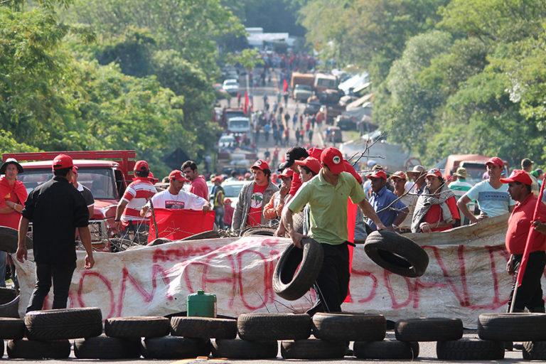 MST desocupa rodovias no PR e segue mobilizado pela Reforma Agrária