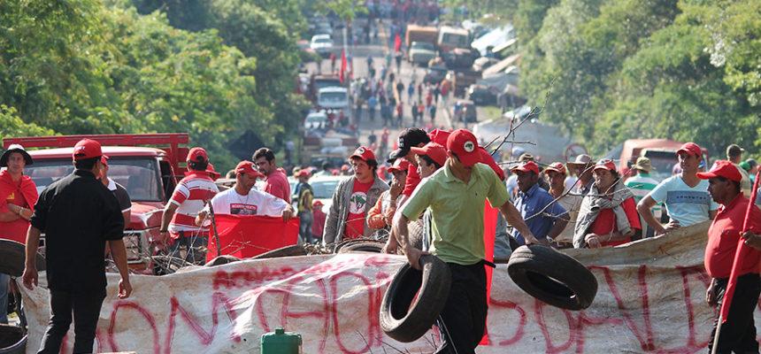 Após dois dias, MST desocupa rodovias no PR e segue mobilizado pela Reforma Agrária