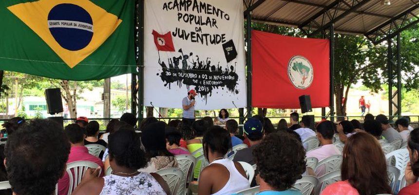 """""""A reforma política é o começo da reestruturação da sociedade"""", afirma militante"""