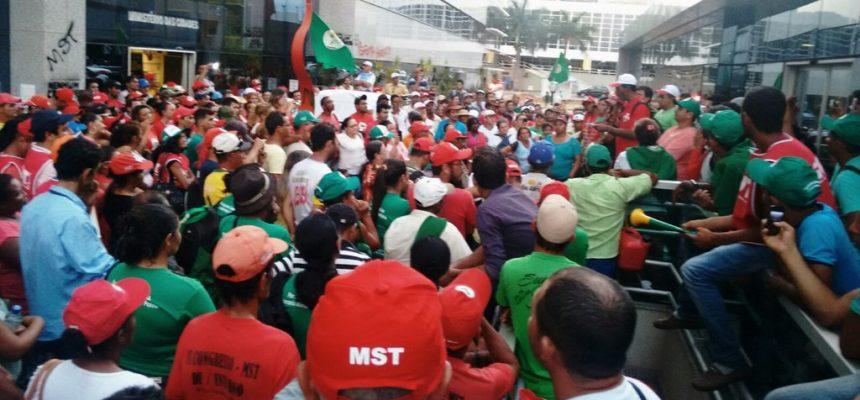 Após mobilizações, Governo se compromete com construção imediata de 12 mil habitações