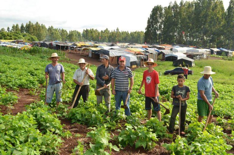 Famílias Sem Terra lutam contra despejo em SC