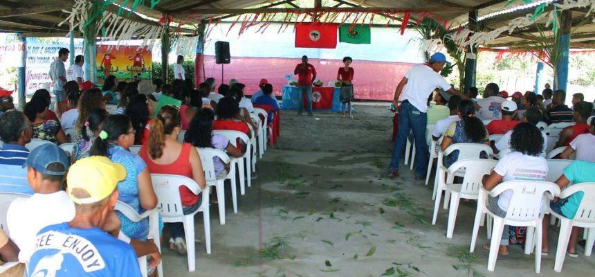 Na Bahia, encontro discute a participação da juventude na luta pela transformação social