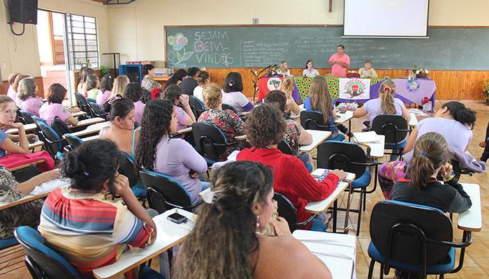 Mulheres camponesas se formam no curso de Práticas em Agroecologia no Paraná