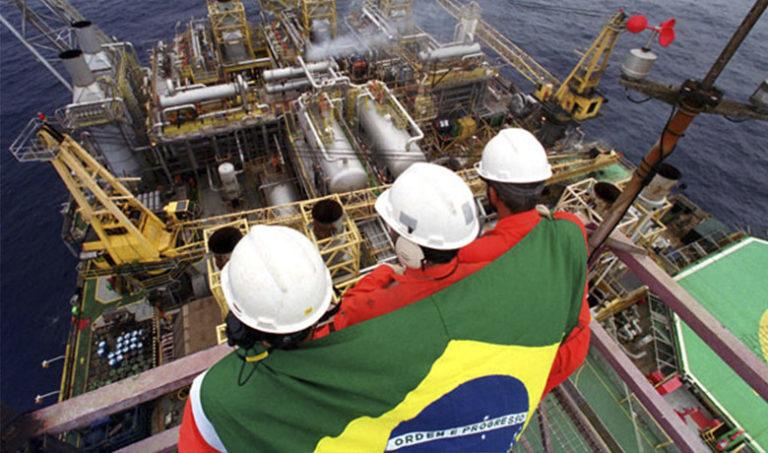 Diversos movimentos escrevem carta em apoio à greve dos petroleiros
