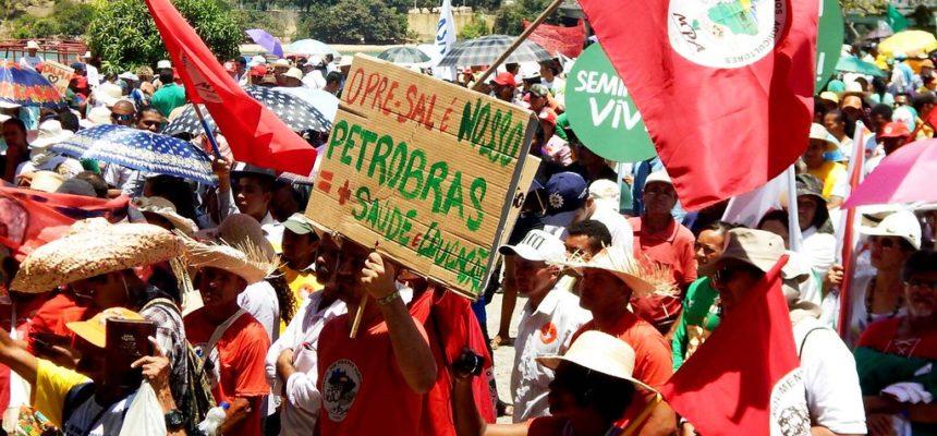 Sem Terra marcham contra corte no orçamento de políticas públicas no Semiárido