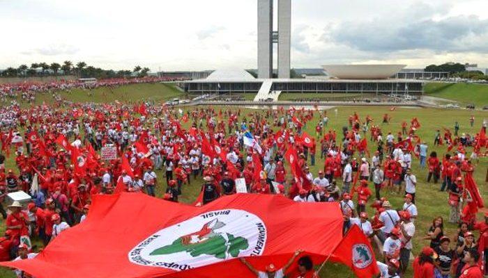 Em nota, MST repudia tentativa de golpe contra a presidente Dilma