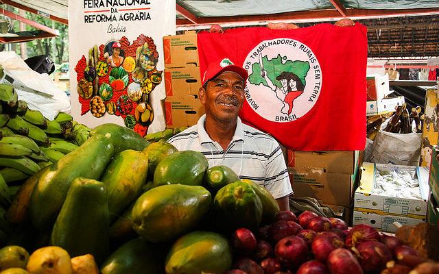 Levante da Juventude realiza café da manhã com produtos da reforma agrária na UEFS