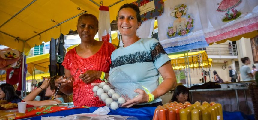 Circuito da Reforma Agrária acolhe a população mineira na Serraria Souza Pinto