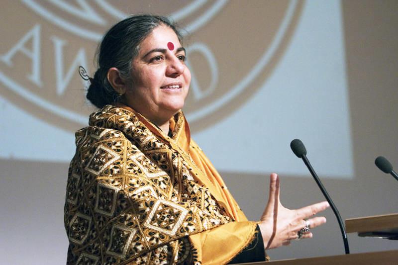 Vandana Shiva: A profunda ligação entre a Monsanto e o Facebook