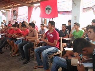 MST realiza curso de formação para juventude no Ceará