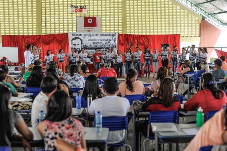 Semana pedagógica debate projetos políticos da educação em assentamentos do Ceará