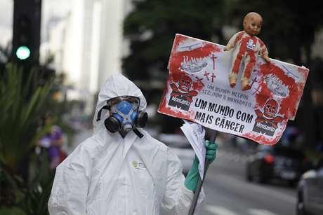 Monsanto vai à Justiça para evitar rótulo de produto cancerígeno