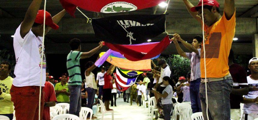 Em noite cultural, Sem Terra festejam Encontro Estadual na Bahia