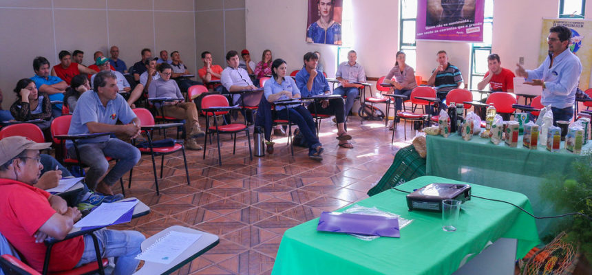 Encontro estadual reúne representantes de 23 cooperativas do MST no RS