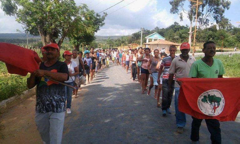 Sem Terra ocupam prefeitura em defesa do Rio Utinga