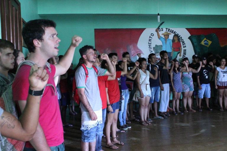 Jovens Sem Terra debatem os desafios da formação na Serra Gaúcha