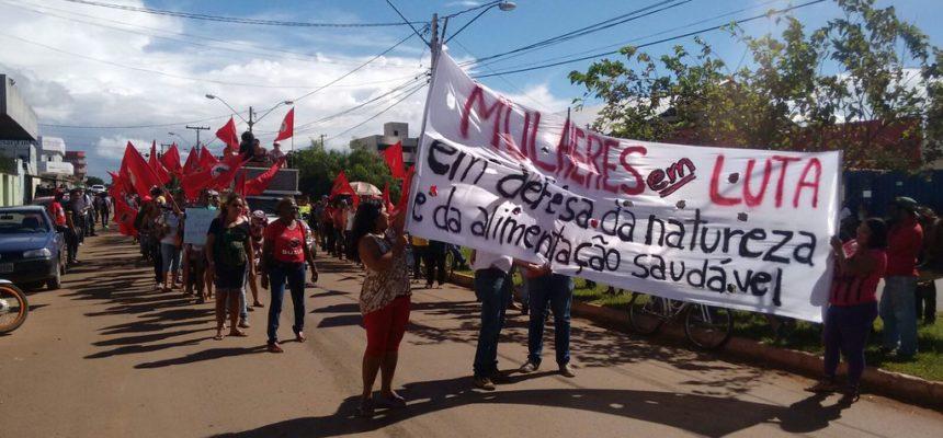 O povo brasileiro passa fome: Bolsonaro nega auxílio ao campesinato para produzir alimentos