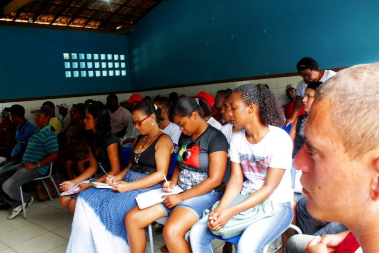 Sem Terra discutem educação no campo e agroecologia