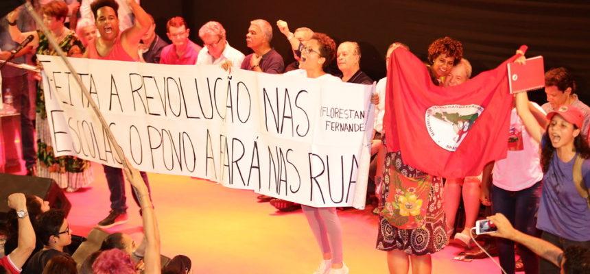 Em São Paulo, MST participa de debate sobre educação, ciência e tecnologia promovido pela APEOESP