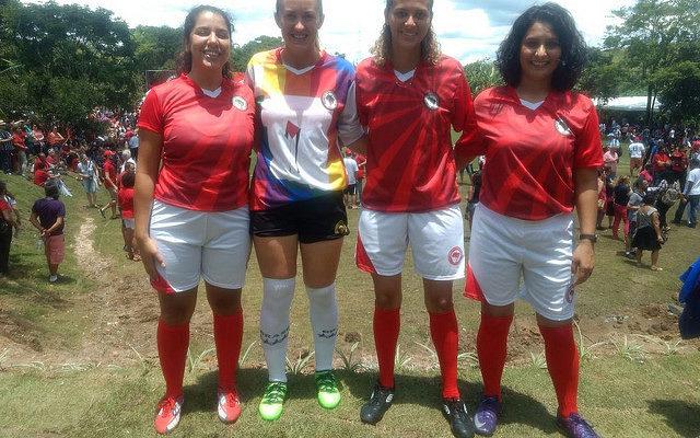 """""""Futebol pode empoderar mulheres"""", afirmam jogadoras"""