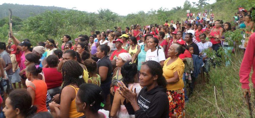 Mulheres Sem Terra ocupam mineradora na Bahia
