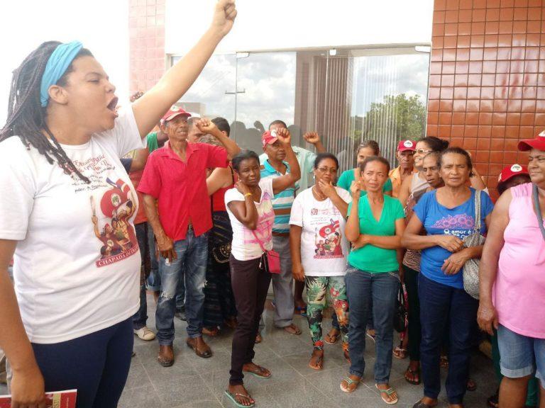 trabalhadoras Sem Terra ocupam prefeitura de Boa Vista do Tupim