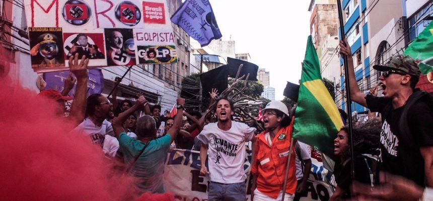 """""""A luta é para garantir a democracia"""", afirma Frente Brasil Popular"""