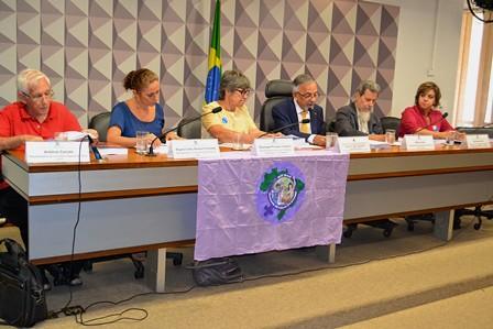 Comissão Camponesa da Verdade lança relatório final em audiência no Senado