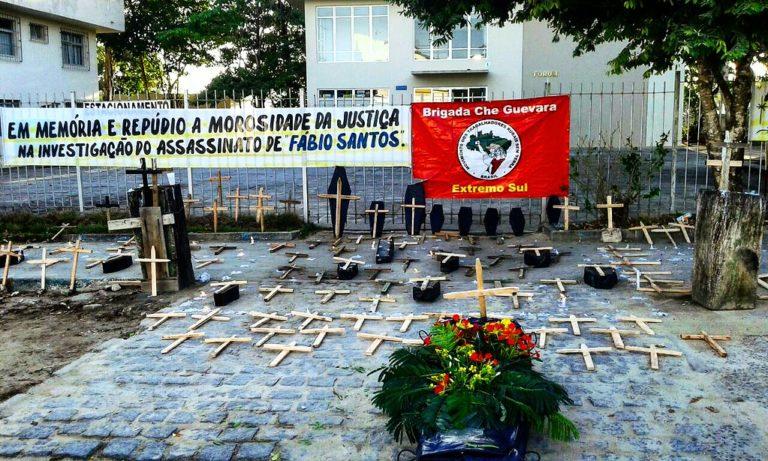 Sem Terra realizam vigília em fóruns da Bahia