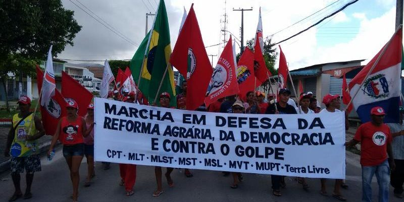 Em defesa da Reforma Agrária e da democracia, Sem Terra marcham em AL