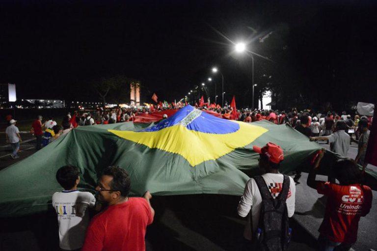 Movimentos populares vão a Brasília em defesa da democracia