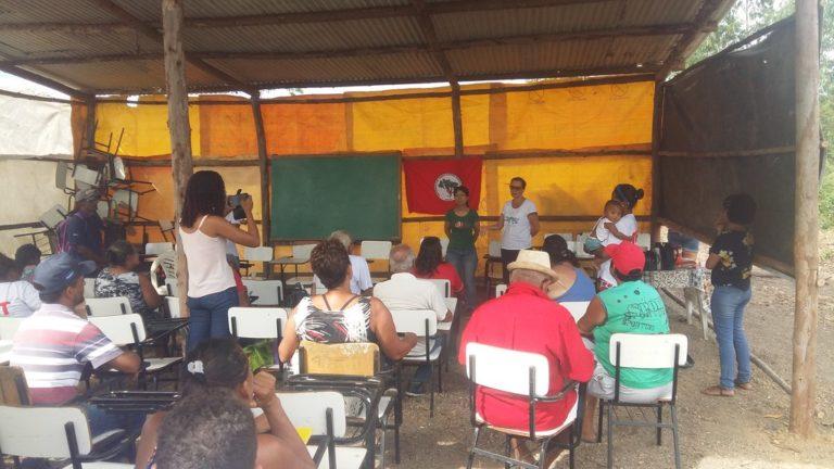 MST recebe visita de intercâmbio do Movimento de Reconstrução Rural