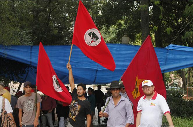 Movimentos Populares constroem acampamento em defesa da democracia